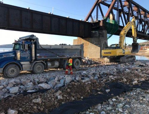 Travaux de réfection du pont ferroviaire de la rivière Port-Daniel